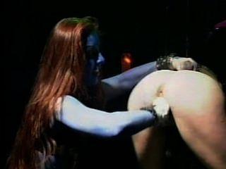 rockbitch充分的音樂會拳頭他媽的和假陽具遊戲活在舞台上