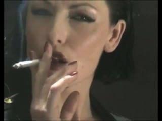 美味上癮吸煙戀物癖老闆娘在乳膠pvc