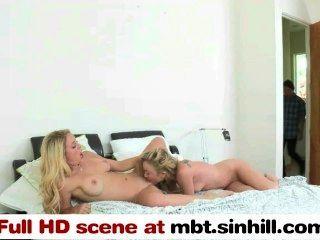 金發女郎和她的女兒雙人組一個傢伙mbt.sinhill.com