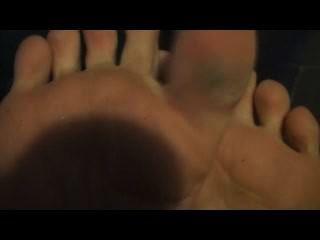 沙拉布萊克腳是我的睡前腳部清潔劑