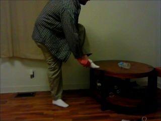 傑森帶在水瓶挑戰期間赤裸