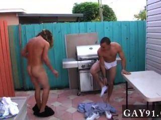 熱同性戀性,所以這些人有創造性。一對夫婦的長輩frat