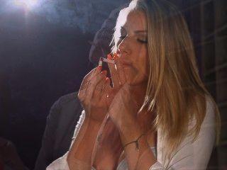 danielle maye鍊子抽煙的黃柏