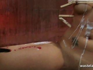 電療法為釘和被栓的深色的寶貝