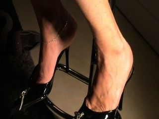 成熟鞋底在鞋子性感