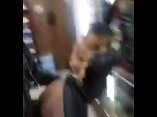 傢伙視頻他自己他媽的在商店