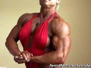 大女性肌肉
