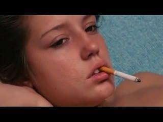 裸體小煙。