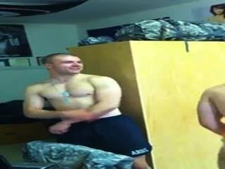 真的很熱的軍隊dudes舞蹈