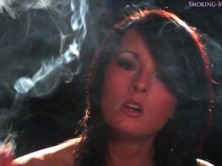 查理灣抽煙