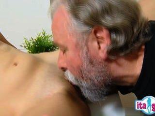 性感mädchengefesselt和gefickt
