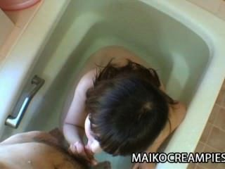 kaoru kuriyama孤獨日本媽媽熱衷於性玩具和硬公雞
