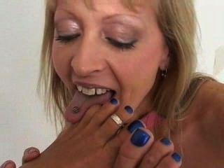 女同性戀的腳舔和腳趾吮吸