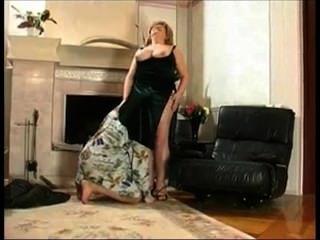 脂肪奶奶性交