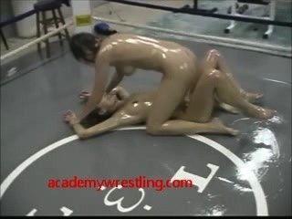 摔跤女同性戀