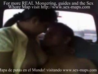 cogiendo puta peruana en un出租車