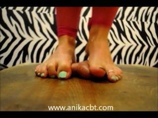 anika踐踏她的奴隸公雞www.anikacbt.com