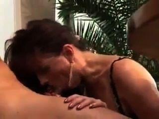 我喜歡他媽的熱這個熱肛門成熟的熱