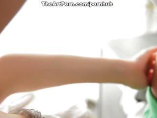 興奮fantina越來越深的陰道按摩和射液