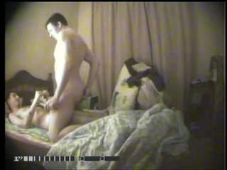 著名的烏克蘭記者portnikov在醜聞同性戀視頻!