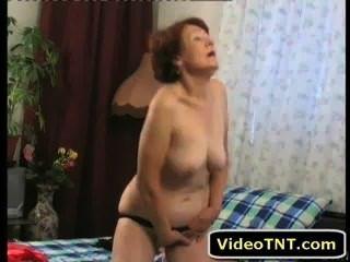 性感成熟的milf奶奶色情他媽的裸體手淫性xxx clit pussy fuc