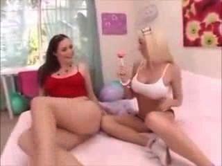 月女同性戀懷孕玩