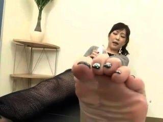 最好的日本自我的腳崇拜在世界上