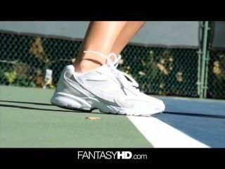 dillion hrper裸網球變得性