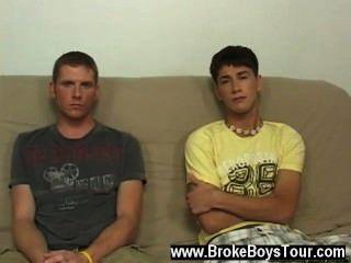熱同性戀我有男孩開始得到uncothed,他們這樣做