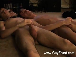 核心的同性戀賈里是跳躍關於他的第一次手淫關閉