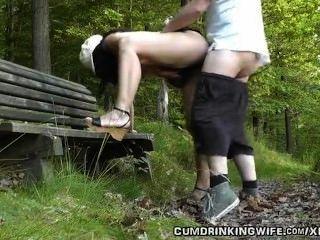 dogging妻子在公園裡亂搞