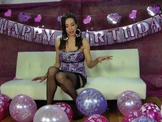 nina leigh戲弄與她的氣球
