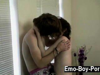 熱同性戀sean一直以他的焦慮視頻而聞名,但這一個是