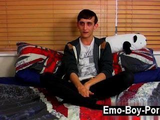 熱同性戀20歲的傑克野生是一個野生emo年輕人誰進入