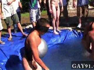 同性戀他媽的我的意思是它不尷尬足夠打在一個淘氣的裸體