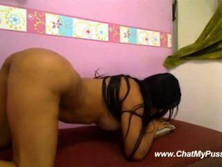 女孩假陽具騎在網絡攝像頭chatmypussy.com