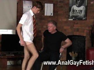 同性戀狂歡打小學生雅各布