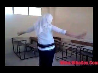 阿拉伯埃及舞蹈在學校