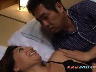 豐滿的摩洛陣線指法自己,而傢伙睡覺旁邊她得到她的膿
