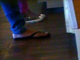 坦率的速度:黑色拖鞋