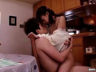 日本女孩附魔熱的妻子在床上room.avi