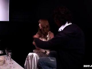 日本女孩手淫與性感的女牛仔sofa.avi