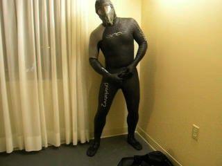 完成變換,因為我改變成orca捕食者潛水服