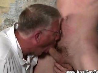 熱的同性戀與他狡猾的堅果和他的啄食者撫摸和