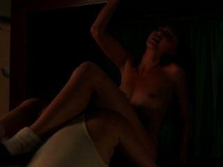 kimiko格林作為布魯克soso在熱的監獄女同性戀場面