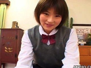 女學生蕩婦shinobu kasagi吸一隻公雞未經審查